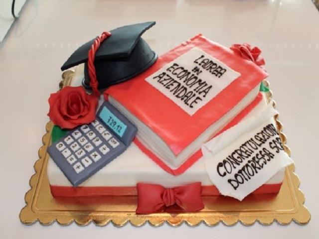 torta laurea economia