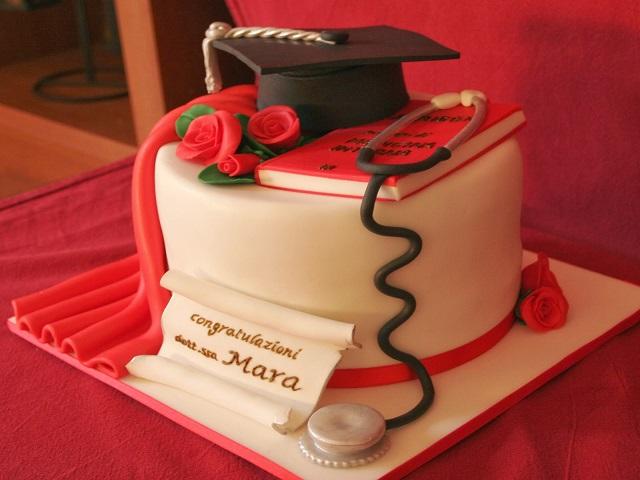 torta laurea medicina