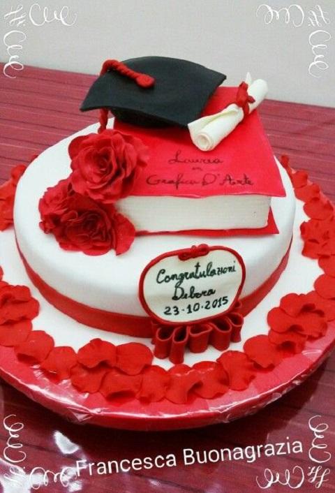 torta laurea immagini