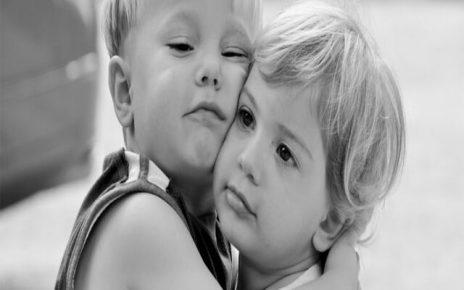 Immagini con frasi sugli abbracci