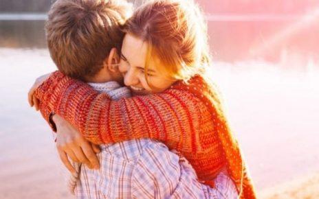 frasi sugli abbracci d'amore