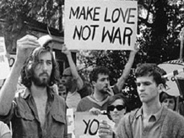 frasi guerra e pace