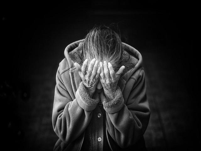 frasi sull'abbandono degli anziani