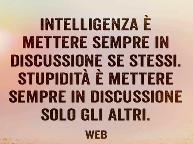frasi sull'intelligenza umana