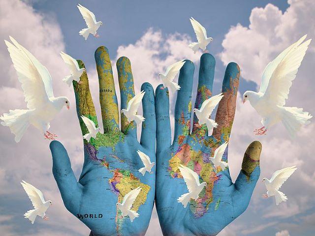 frasi sulla guerra e pace