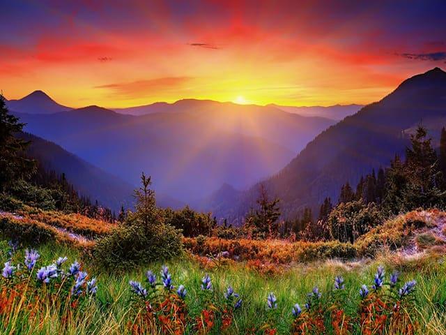 tramonto in montagna immagini