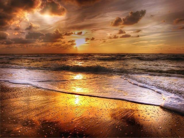 frasi sul mare al tramonto